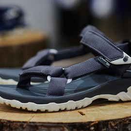 Teva M Hurricane XLT Heather Grey Wall