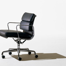 Herman Miller - Eames Soft Pad Group Executive Chair