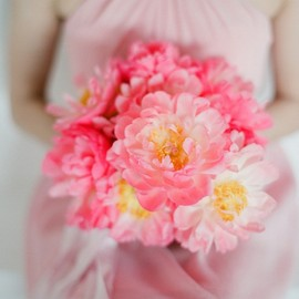 style me pretty - pink flowers