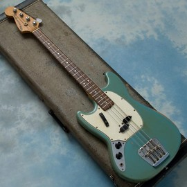 Fender USA - MUSTANG BASS LEFTY