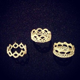 Cocoa - silver ring - circles lace