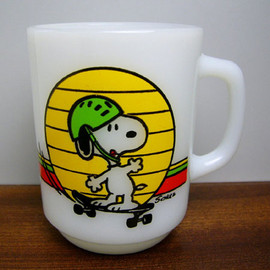 Fire King - Snoopy Skateboard mug cup