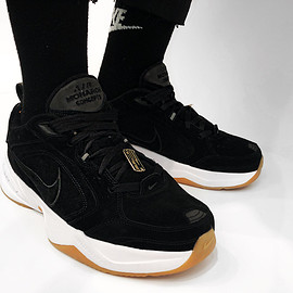 Concepts, NIKE - Air Monarch IV - Black/White/Gum?