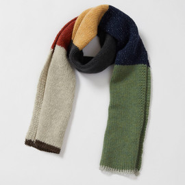MHL. - REMNANTS YARN MUFFLER