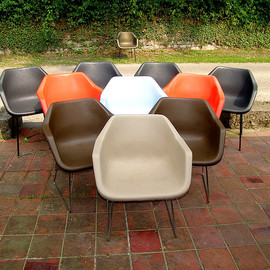 Hille (England) - 1967 Polypropylene Armchair Design by Robin Day