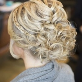 Gorgeous up do for your prom night!