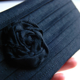 Luulla - Black Bridal Wedding Clutch or Bridesmaid Clutch, Pouch, Purse - Romantic Rose pleats by Lolos