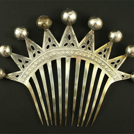 crown hair comb