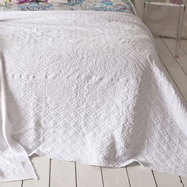 Zara Home - Jacquard White Bedspread and Cushion Cover