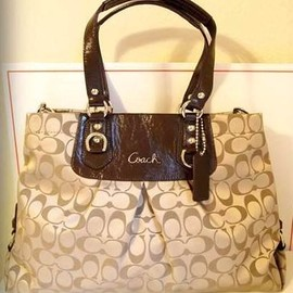 COACH - Coach Signature 15510 Ashley Carrall Bussiness Satchel Bag Tote