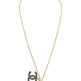 CHANEL - clutch pendant necklace