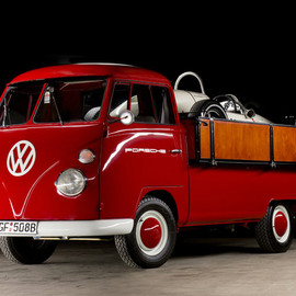 Volkswagen - 1964 VW Bus race transporter