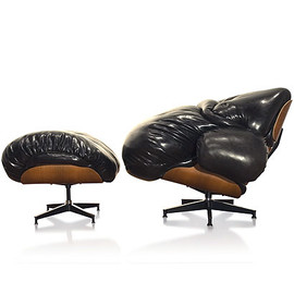 Mark Wentzel - Fat Eames Chair