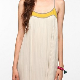 URBAN OUTFITTERS - Cooperative Pleat-Tastic Frock Dress