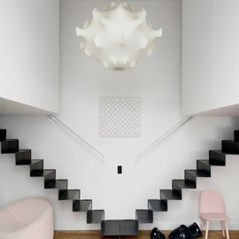 Fleur Delesalle - Floating Stairs & Recessed Hand Rails