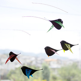 Roger Stakör, ART IN MOTION - MOBILE BLACK BIRDS 鳥のモビール