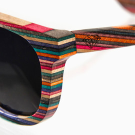 Diamond Supply - Brilliantly Crafted 100% recycled skateboard wood sunglasses
