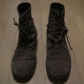 7 hole lace up boots