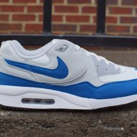 Nike - NIKE AIR MAX LIGHT ESSENTIAL SUMMIT WHITE/MILITARY BLUE-WOLF GREY-PURE PLATINUM