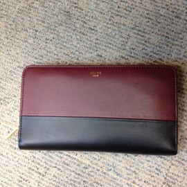 CELINE - bicolour wallet in lambskin  burgundy/navy