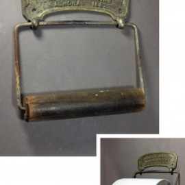 "アメリカンアンティーク - 1900-20's ""Rusty!"" Cast Brass Toilet Paper Holder"