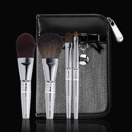 Christian Dior - 11xmas_dior_Celebration_Brush