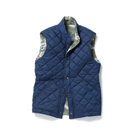 SOPHNET. - REVERSIBLE QUILTING VEST (NAVY × WOODLAND)