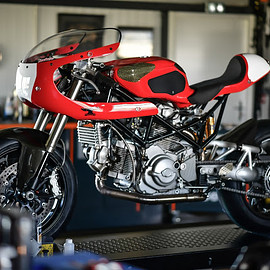 Blackhat Motorcycles - Ducati S2R 1000 CR