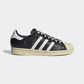 adidas - Superstar - core black / crystal white -