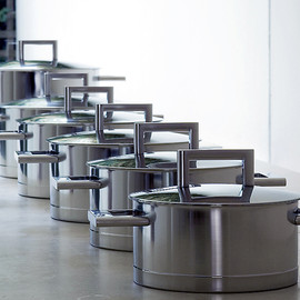 John Pawson - Set of Pans