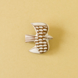 BIRDS' WORDS - BIRD TILE BROOCH