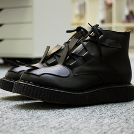 "Casely-Hayford x John Moore - ""Toe Strap"" Boot"