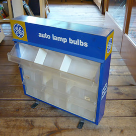 """GENERAL ELECTRIC - GE """"auto lamp bulbs"""" display case"""