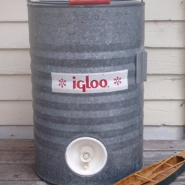 Igloo - Metal Water Jug