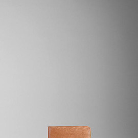 BURBERRY - GRAINY LEATHER FOLDING WALLET