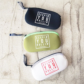 CHARI & CO NYC - Eyewear Case Square Phan Logo