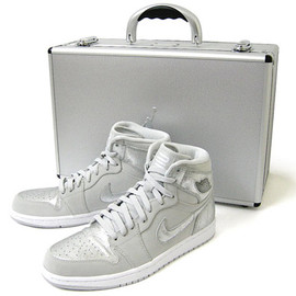 NIKE - AIR JORDAN 1 Retro Silver 25th Anniversary Package