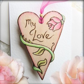 Luulla - Rose Heart - hanging wooden heart