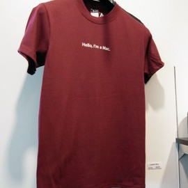 "Apple - Apple Company Store Tシャツ ""Hello, I'm Mac."""