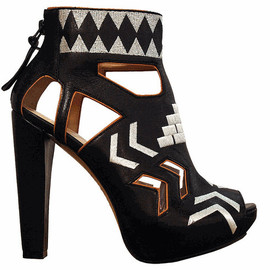 HOUSE OF HARLOW 1960 - ethnic print sandals