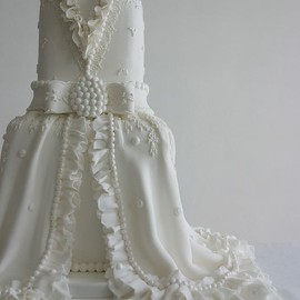 Bridal Gown Inspired White Wedding Cake