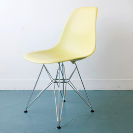 Herman Miller - Eames Shell Side Chairs Eames shell side chair
