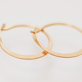 Melissa Joy Manning - Small Round Hoops Pinkgold