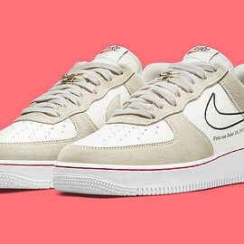 NIKE - Air Force 1 Low - Light Stone/Black/Sail/University Red