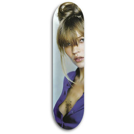 Skate Moss - by Carlos / Kate Moss ②
