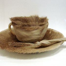 Meret Oppenheim - Fur Breakfast