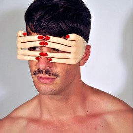 JEREMY SCOTT FOR LINDA FARROW - Flesh Hands frame