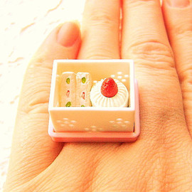 SouZouCreations - Kawaii Cute Japanese Ring Strawberry Cake And Sandwich