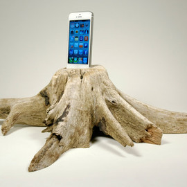 Docksmith - iPhone 5 Driftwood Stump Docking Station