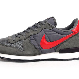 NIKE - INTERNATIONALIST 「LIMITED EDITION for SELECT」